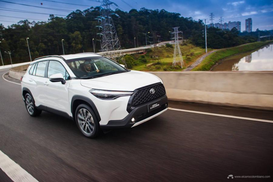 6.Toyota-Corolla-Cross-Flex-2022