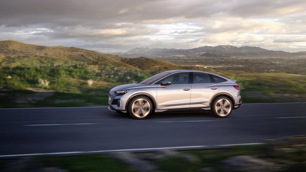 2022-Audi-Q4-e-Tron-11