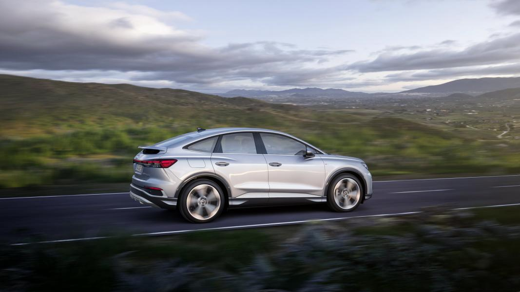 2022-Audi-Q4-e-Tron-12