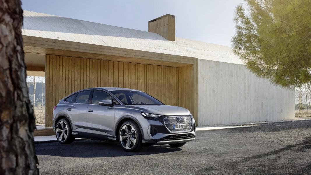 2022-Audi-Q4-e-Tron-15