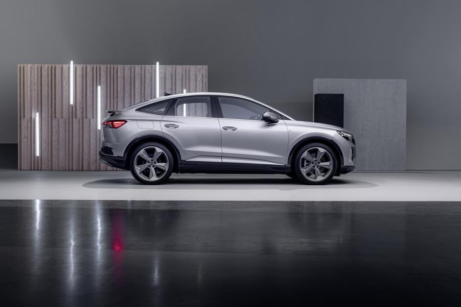 2022-Audi-Q4-e-Tron-16