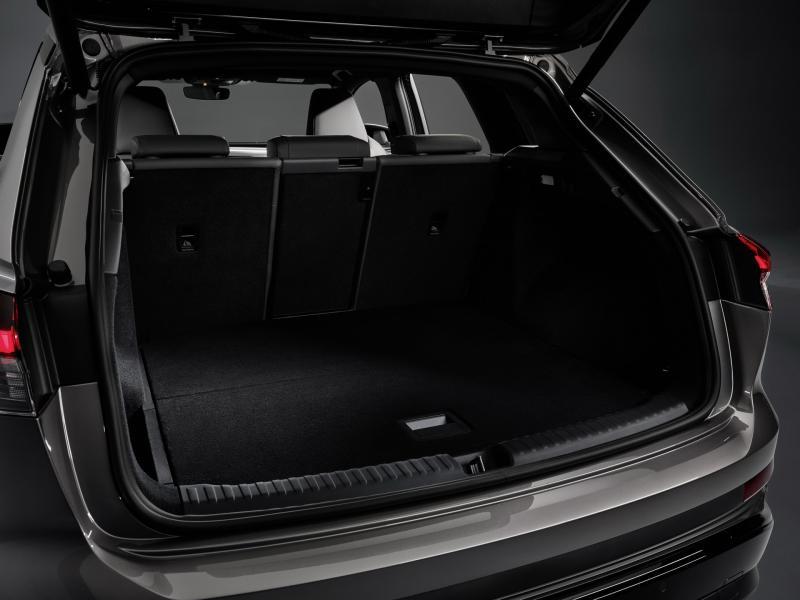 2022-Audi-Q4-e-Tron-19