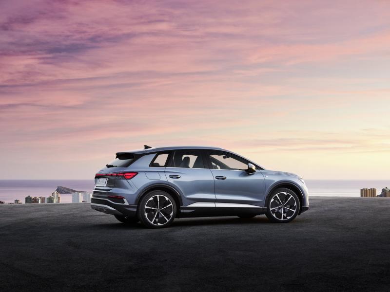 2022-Audi-Q4-e-Tron-3