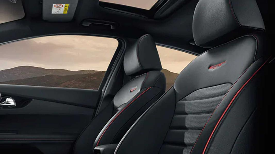 2022-kia-cerato-hatchback-7