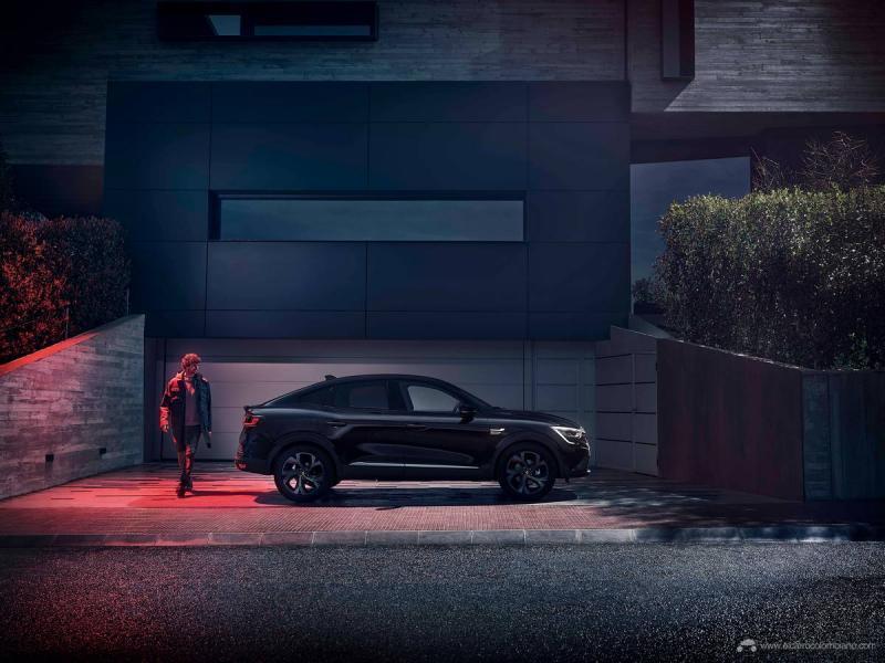 01-2021-New-Renault-ARKANA-E-TECH-145