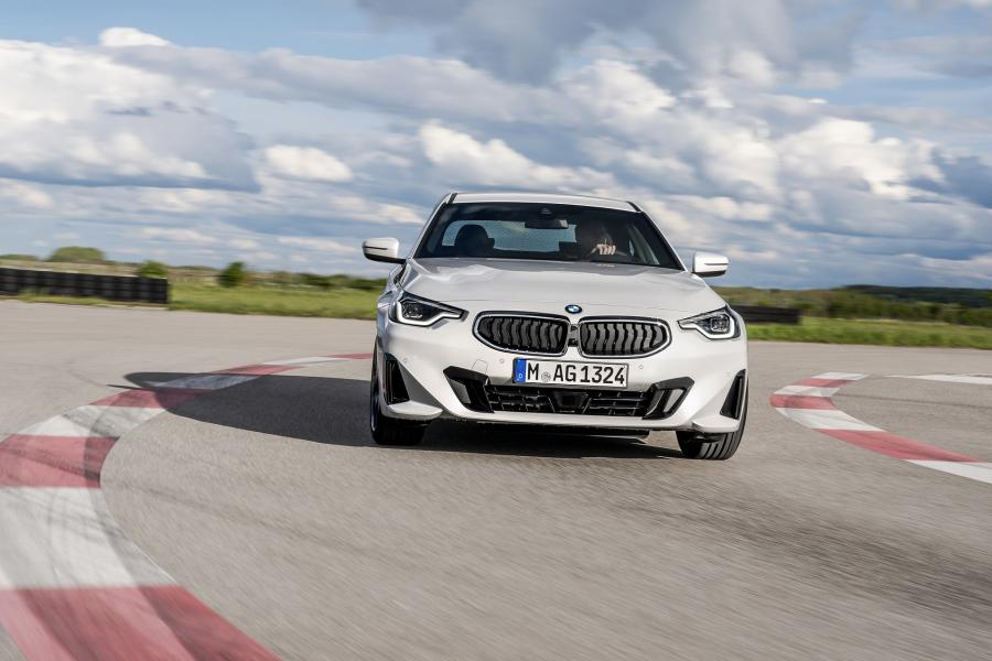2022-BMW-2-Series-Coupe-11