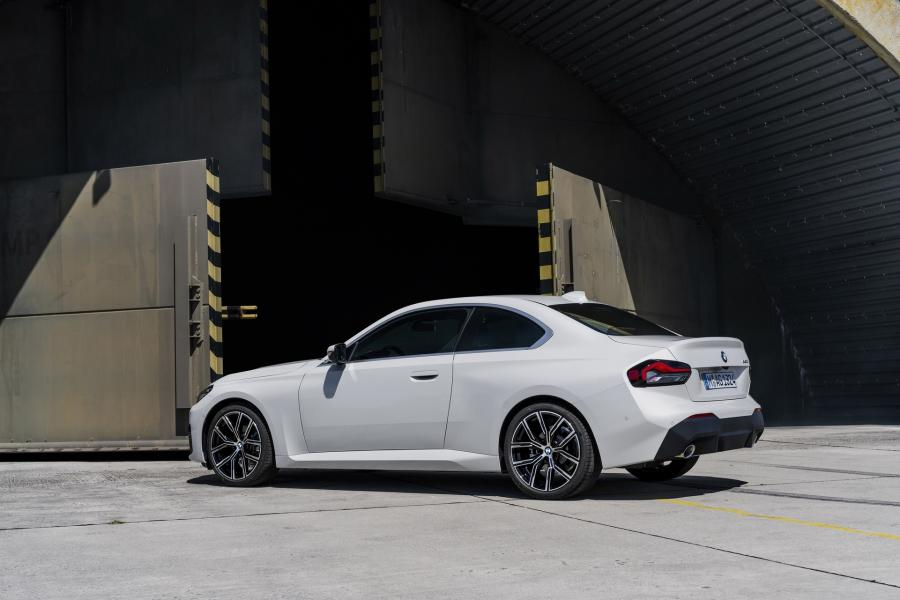 2022-BMW-2-Series-Coupe-4