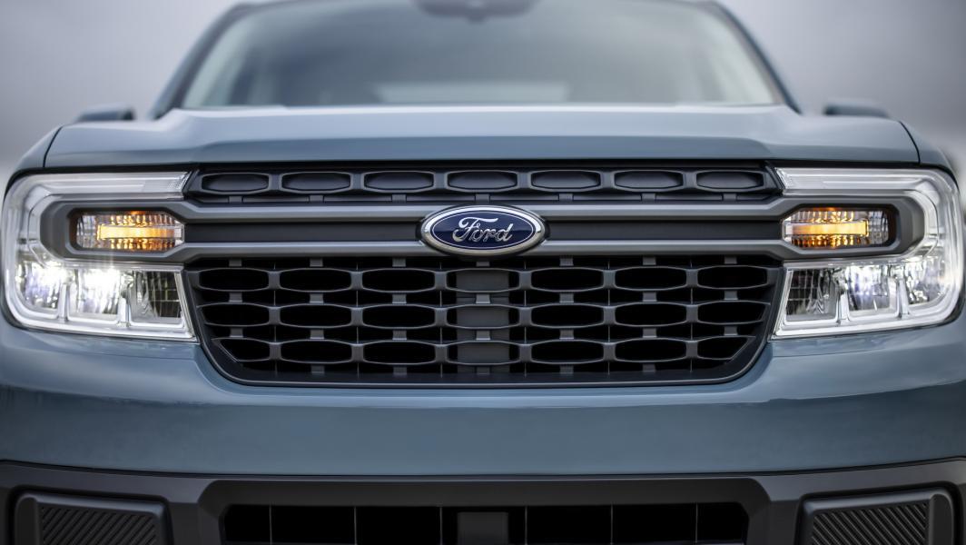 2022-Ford-Maverick-8