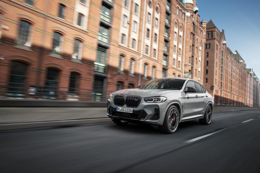 2022-BMW-X3-X4-38
