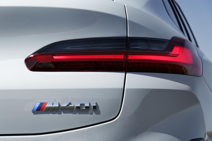 2022-BMW-X3-X4-54
