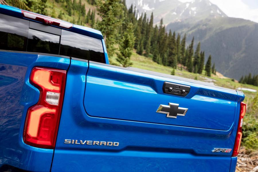 2022-Chevrolet-Silverado-ZR2-4
