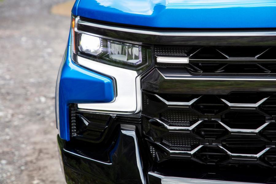 2022-Chevrolet-Silverado-ZR2-5