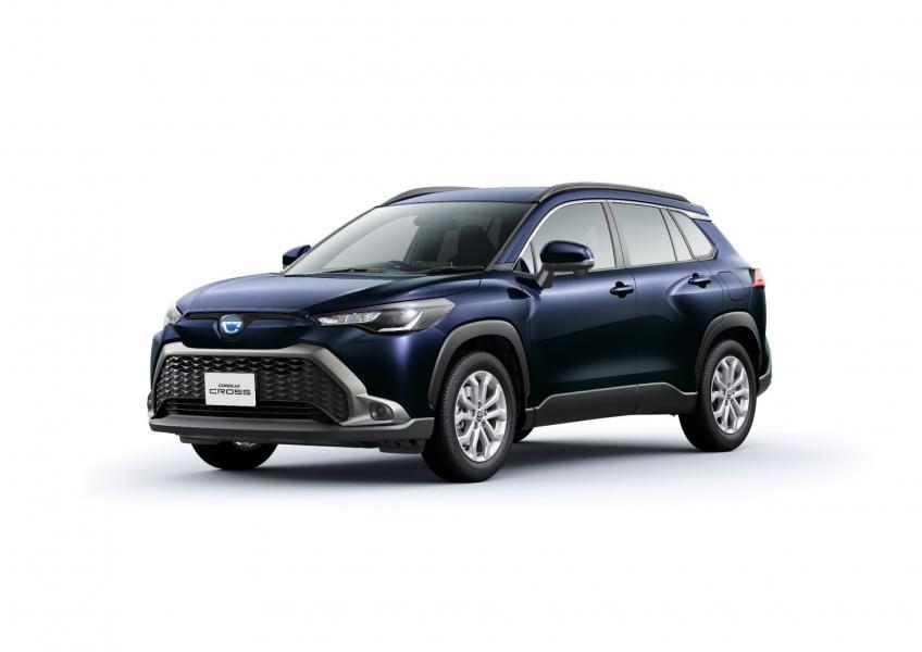 2022-Toyota-Corolla-Cross-Japanese-10