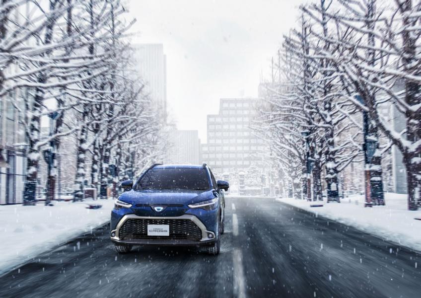 2022-Toyota-Corolla-Cross-Japanese-3