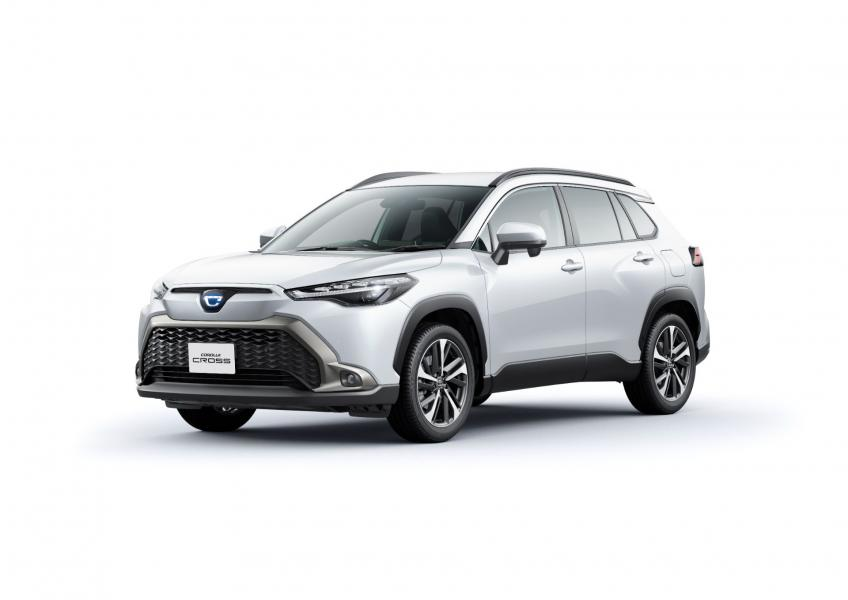 2022-Toyota-Corolla-Cross-Japanese-6