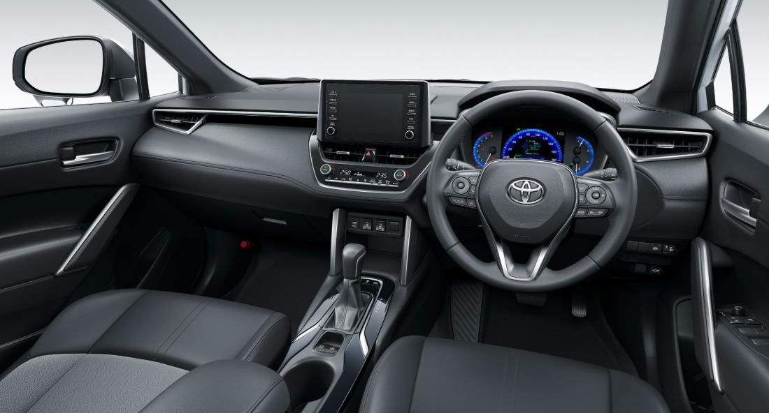 2022-Toyota-Corolla-Cross-Japanese-8