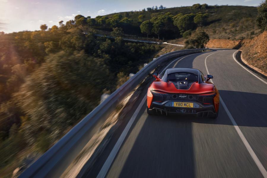 McLaren-Artura-11-PHEV-CarScoops