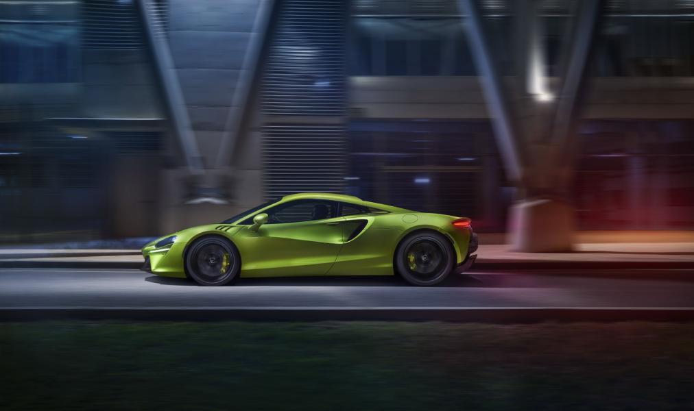 McLaren-Artura-18-PHEV-CarScoops