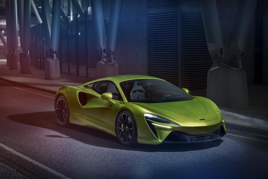 McLaren-Artura-19-PHEV-CarScoops