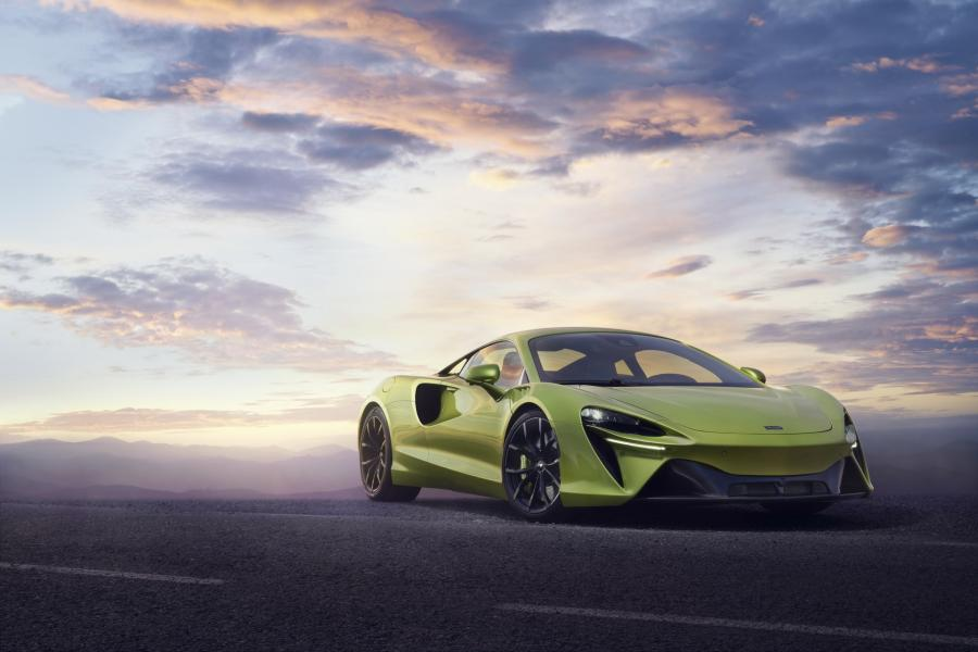 McLaren-Artura-23-PHEV-CarScoops