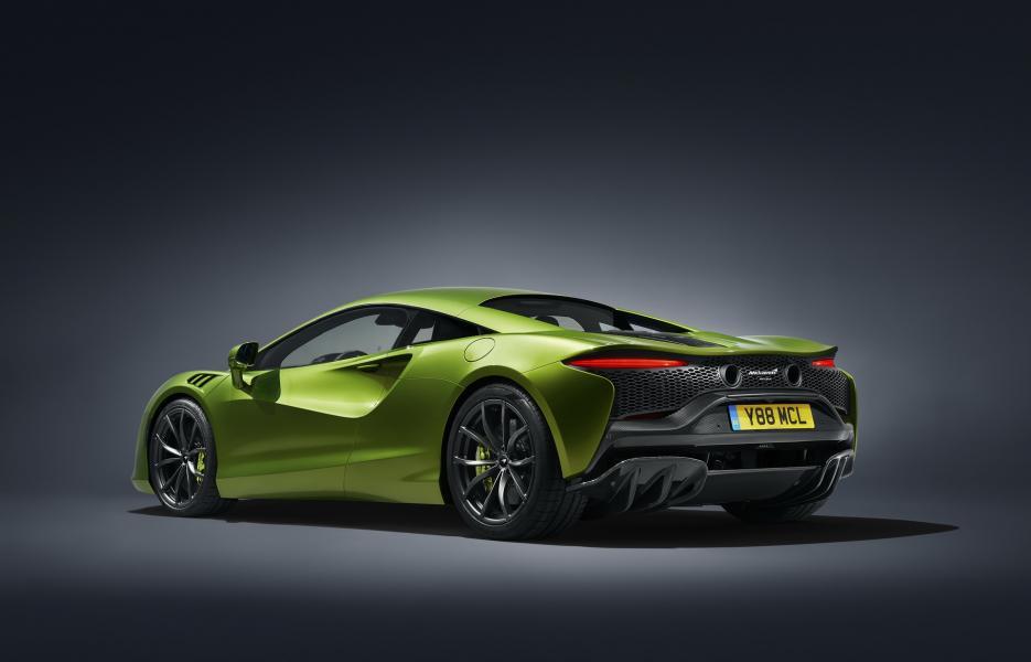McLaren-Artura-32-PHEV-CarScoops