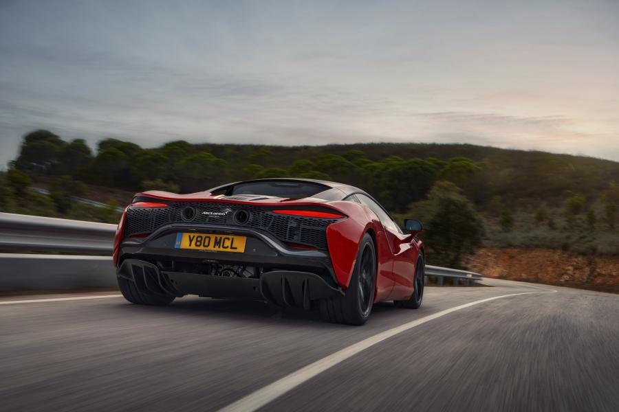 McLaren-Artura-6-PHEV-CarScoops