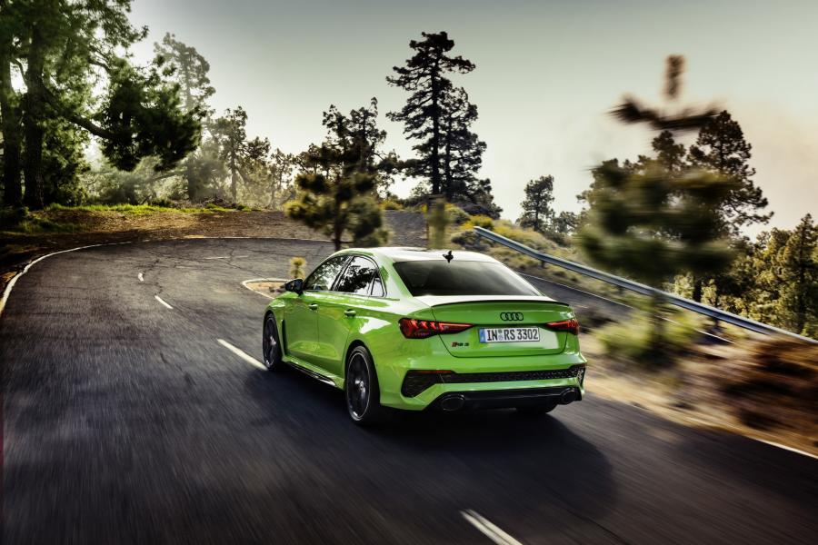 2022-Audi-RS3-11