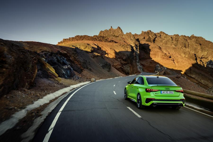 2022-Audi-RS3-12