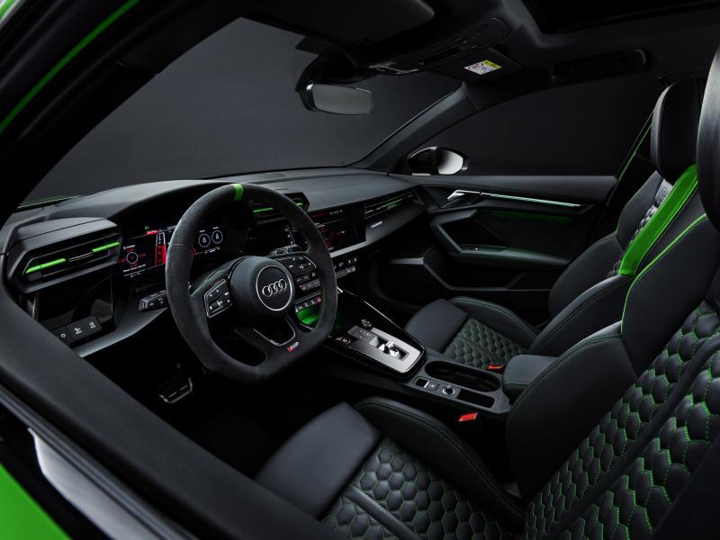 2022-Audi-RS3-17