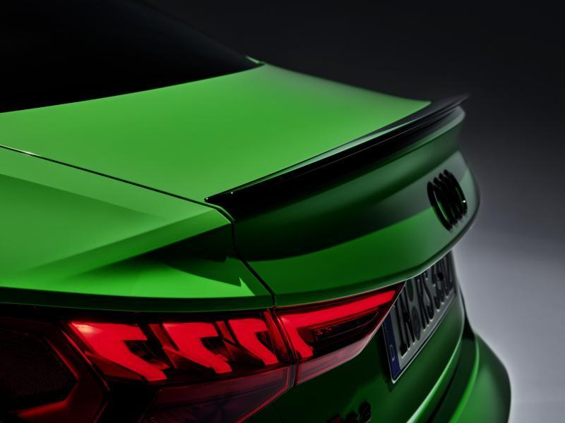 2022-Audi-RS3-18