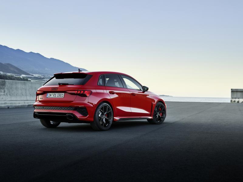 2022-Audi-RS3-2