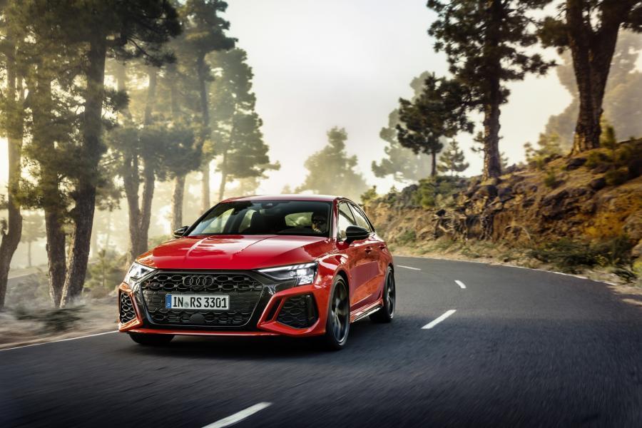 2022-Audi-RS3-3
