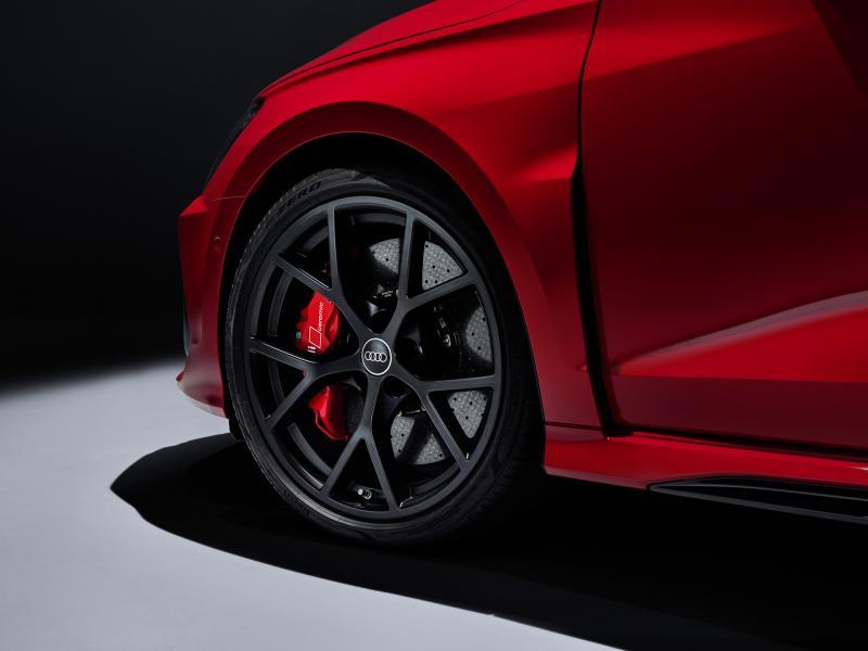 2022-Audi-RS3-5