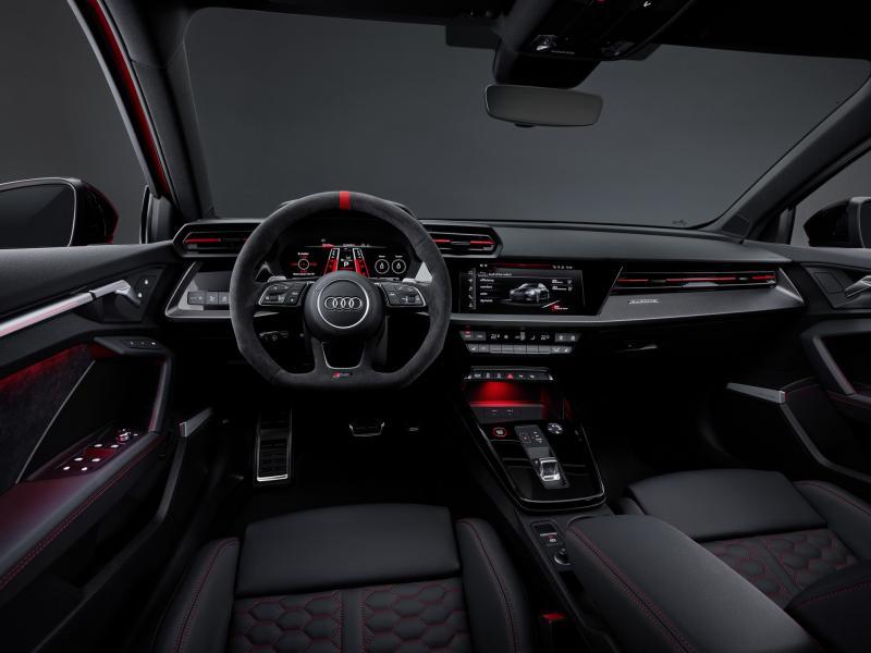2022-Audi-RS3-6