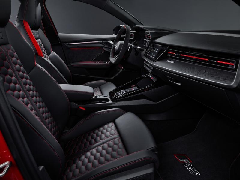 2022-Audi-RS3-7