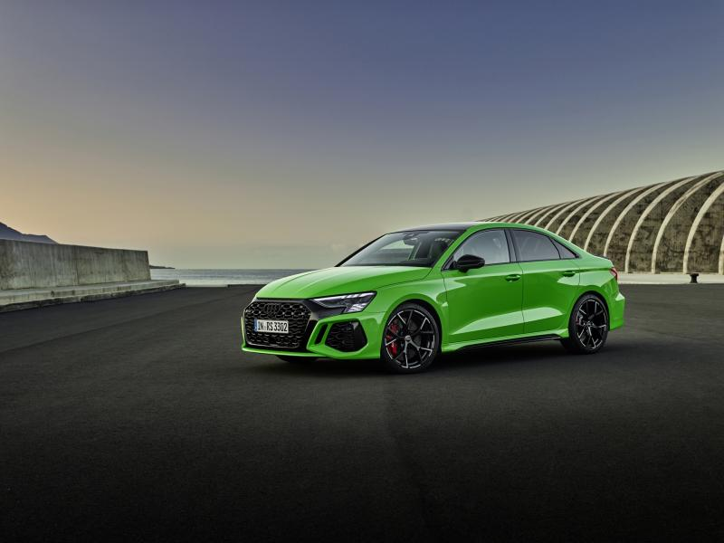 2022-Audi-RS3-8