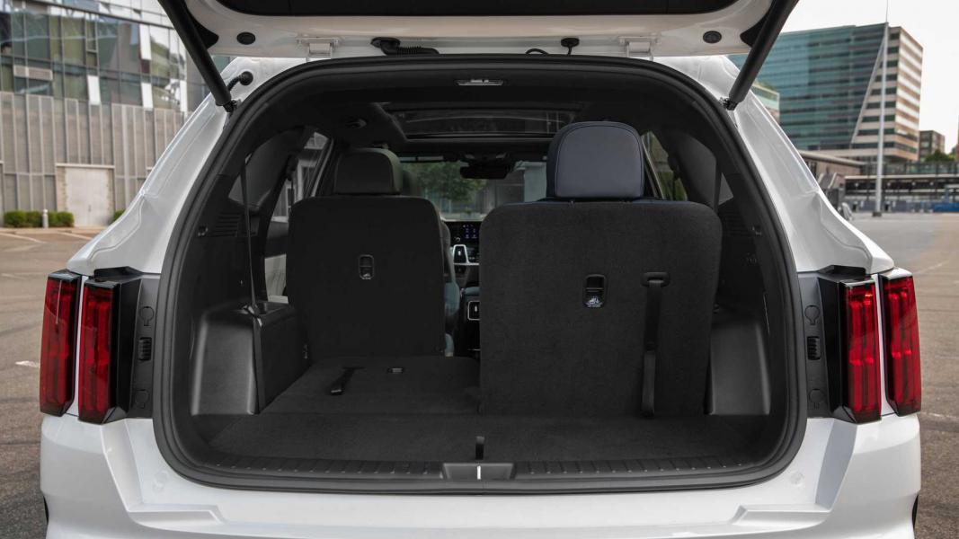 2022-kia-sorento-phev-interior-rear-cargo-area