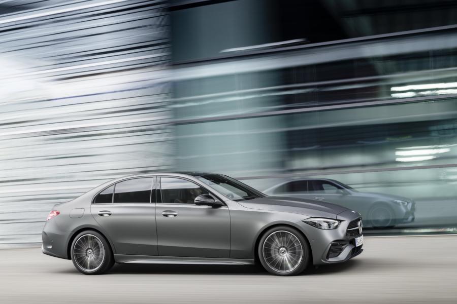 2022-Mercedes-Benz-C-Class-10-1