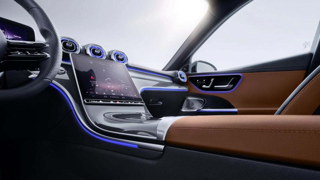 2022-Mercedes-Benz-C-Class-109