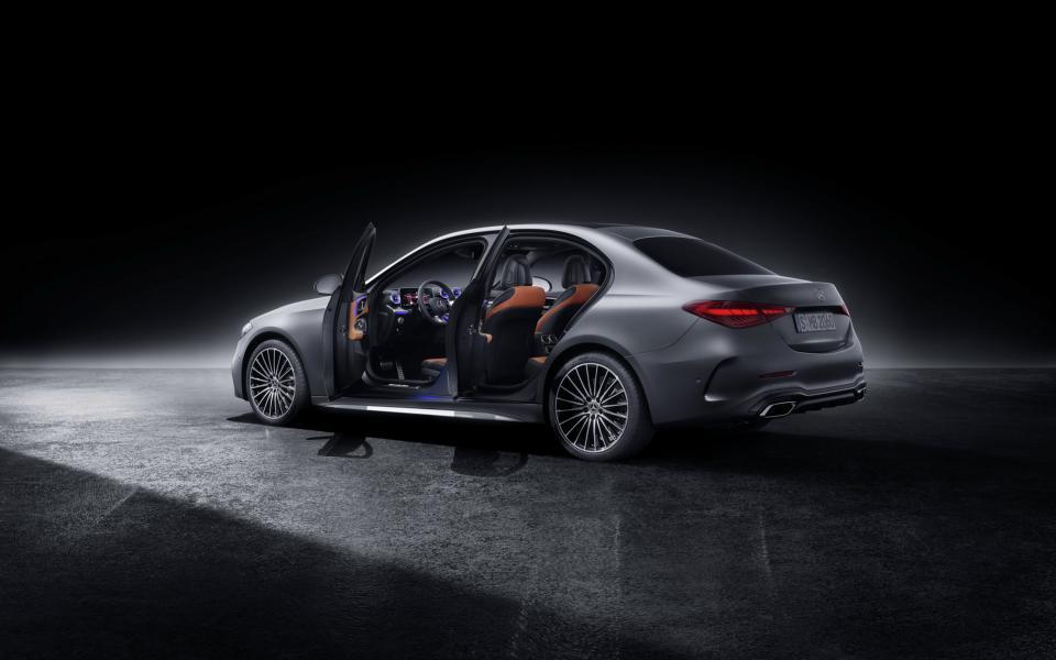 2022-Mercedes-Benz-C-Class-115
