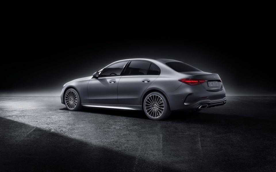 2022-Mercedes-Benz-C-Class-116