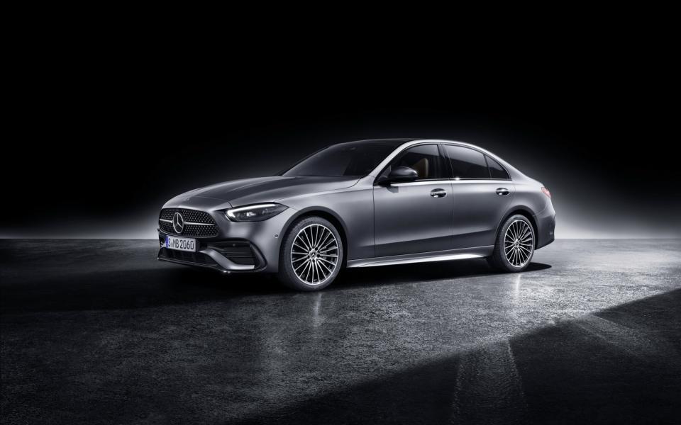2022-Mercedes-Benz-C-Class-119