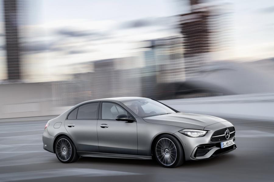 2022-Mercedes-Benz-C-Class-14-1