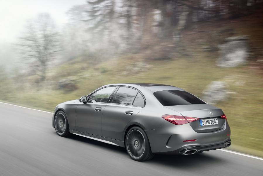 2022-Mercedes-Benz-C-Class-15-1