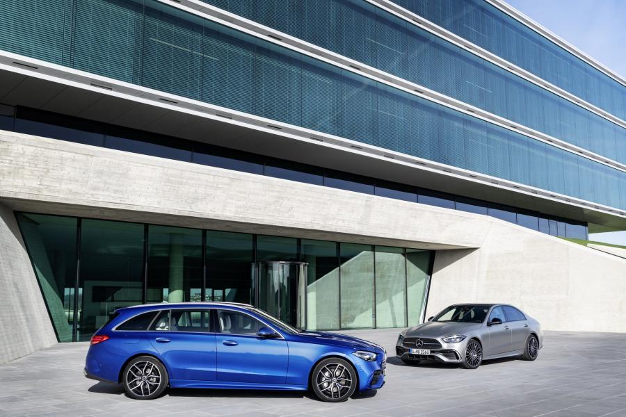 2022-Mercedes-Benz-C-Class-19-1
