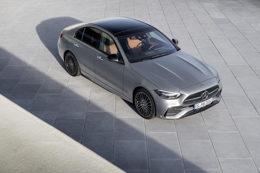 2022-Mercedes-Benz-C-Class-24-1