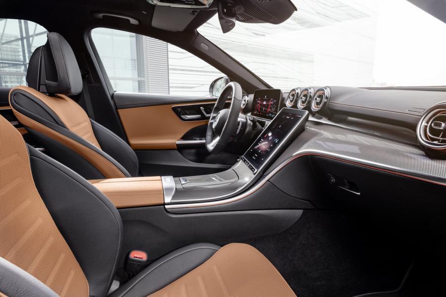 2022-Mercedes-Benz-C-Class-30-1