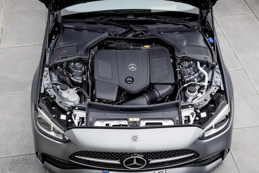 2022-Mercedes-Benz-C-Class-32-1