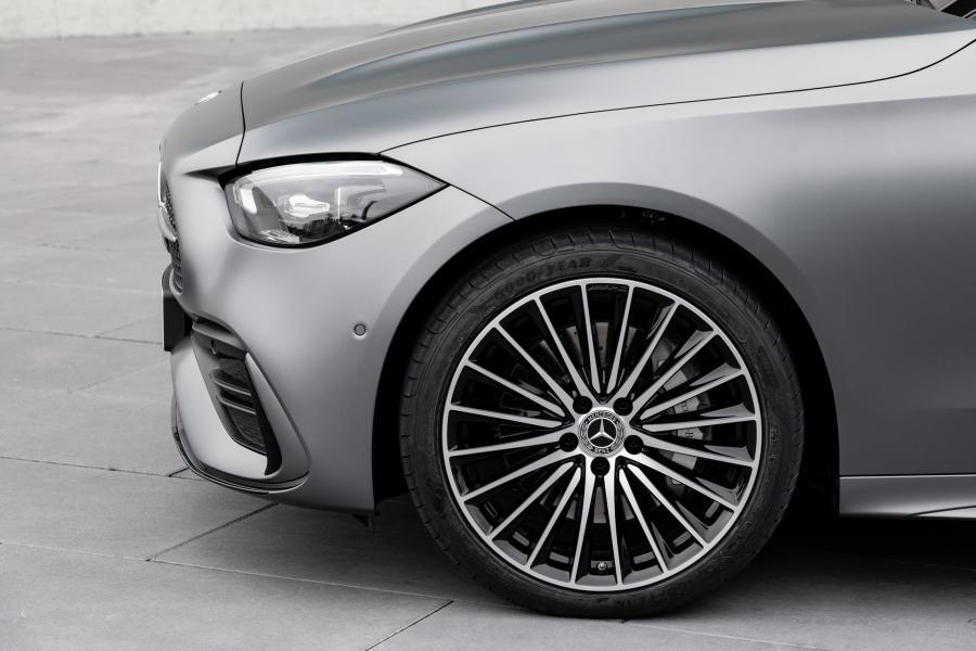 2022-Mercedes-Benz-C-Class-33-1