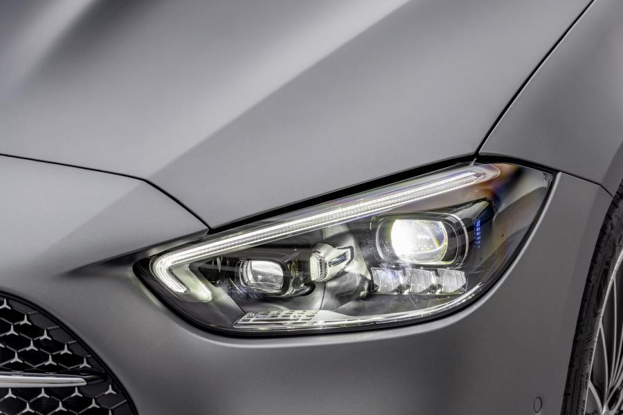 2022-Mercedes-Benz-C-Class-35-1